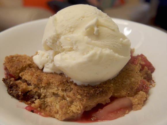 Apple & Blackberry Crumble with Vanilla Ice Cream