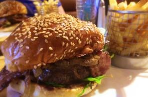 El Perro Negro's Top Dog Burger 2