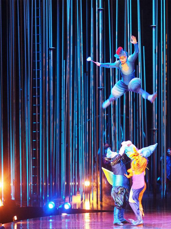 Cirque du Soleil Varekai- Jumping