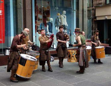 Street-Buskers-Caledonia-Buchanan-Street-Glasgow